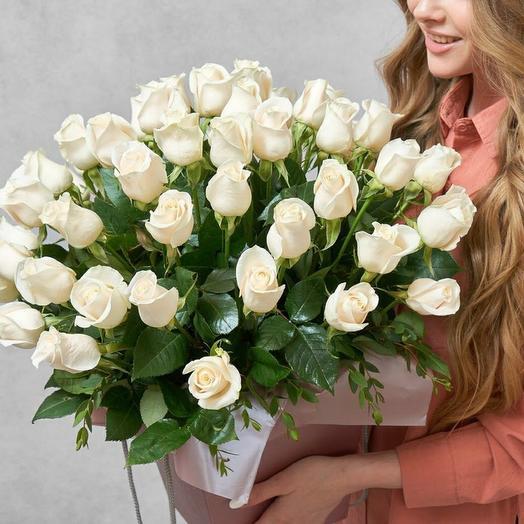 Большая коробка 51 белая роза