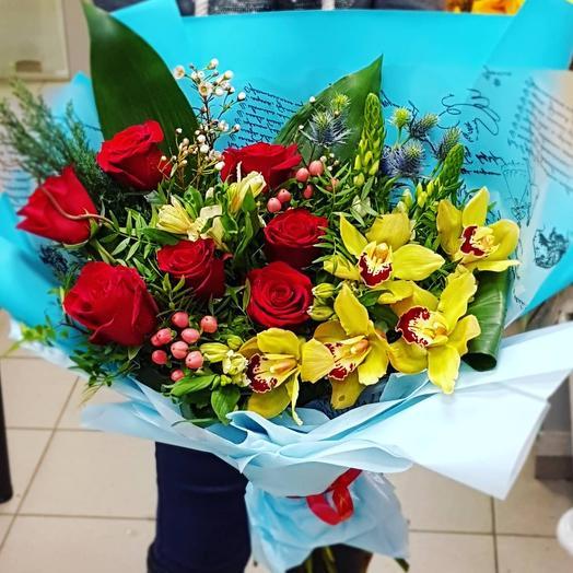 Букет Сюрприз из роз и орхидей