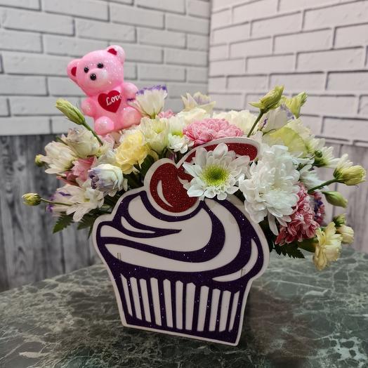 Пирожное с цветами