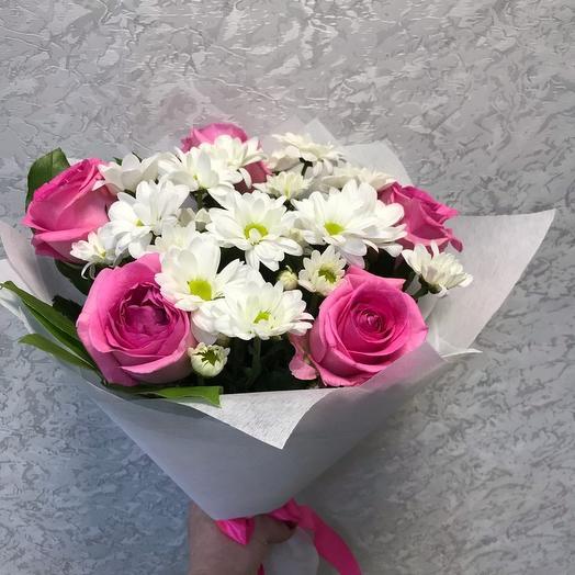 Сборный букет из роз и хризантемы