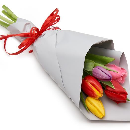 5 тюльпанов в упаковке