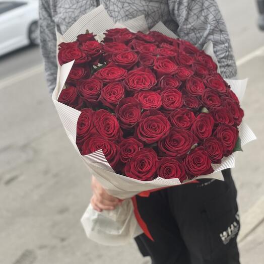 51 бордовая роза крупные бутоны