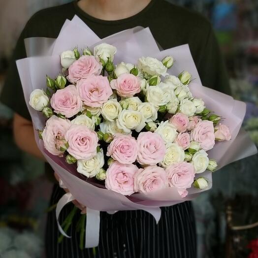 Кустовые розы 9 веточек