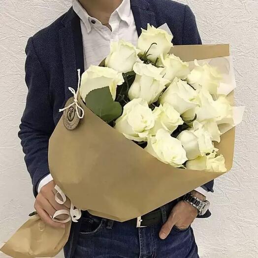 Белые розы 15 штук