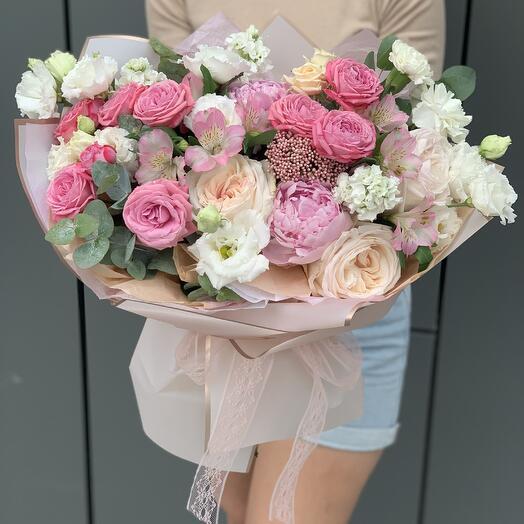 Букет Дежавю из роз, озотмнуса, маттиолы, эустомы и пионов