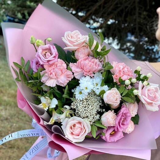 Букет из роз с озатамнусом