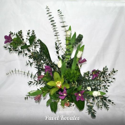 Композиция в кашпо: букеты цветов на заказ Flowwow