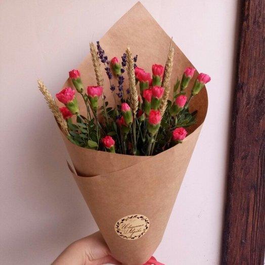 Полевой букет из кустовых гвоздичек колосьев и лаванды: букеты цветов на заказ Flowwow