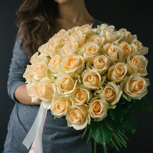 Букет  из 31  розы Peach Avalanche: букеты цветов на заказ Flowwow