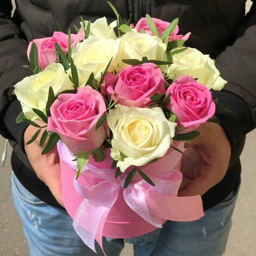 Коробки с цветами. Розы.  11 роз . N142: букеты цветов на заказ Flowwow