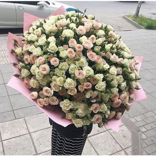 Нежные бутоны роз: букеты цветов на заказ Flowwow