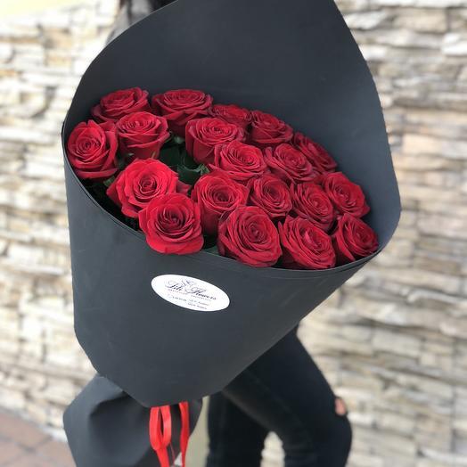 Розы велюровой упаковке