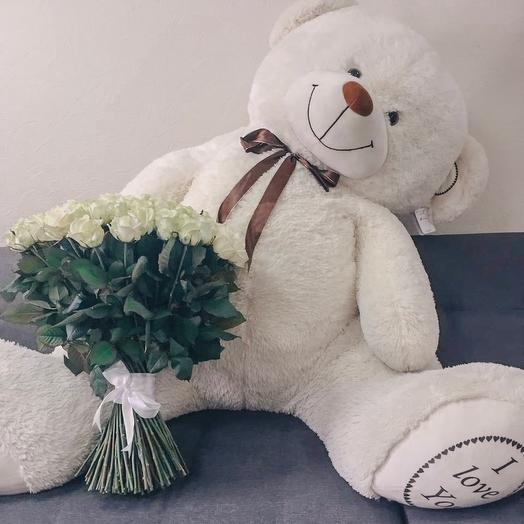Огромный плюшевый медведь и букет из 101 розы: букеты цветов на заказ Flowwow
