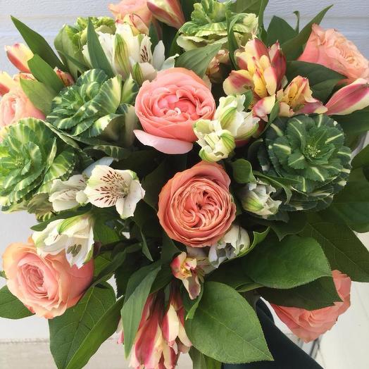 Букет из роз, брасики и альстромерии: букеты цветов на заказ Flowwow