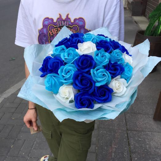 Стильный букет из мыльных роз: букеты цветов на заказ Flowwow