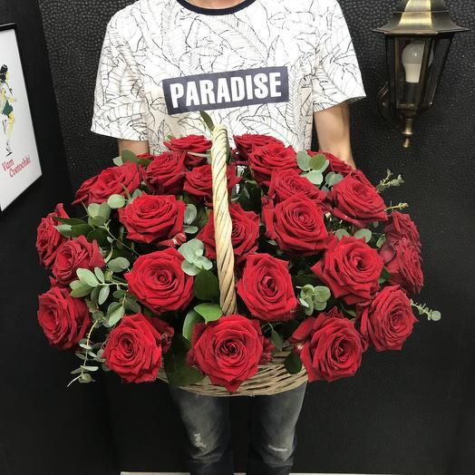 Корзина Алых Роз: букеты цветов на заказ Flowwow