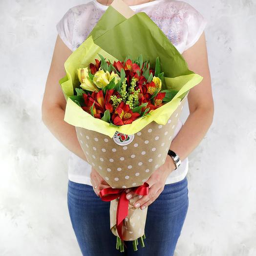 Букет из 7 альстромерий и капсов: букеты цветов на заказ Flowwow