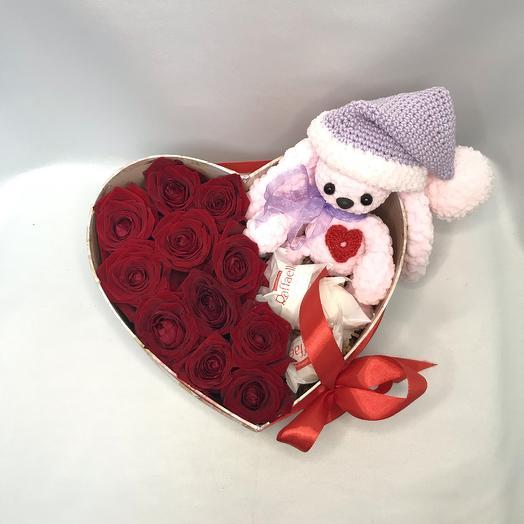 Влюблённый зайка: букеты цветов на заказ Flowwow