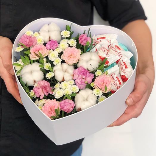 Сердце с рафаэлло: букеты цветов на заказ Flowwow