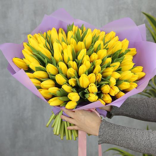 101 жёлтый тюльпан: букеты цветов на заказ Flowwow