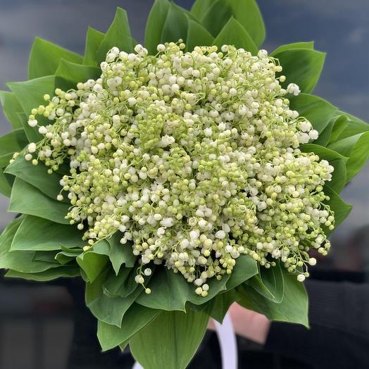 Нежное облачко ландышей: букеты цветов на заказ Flowwow