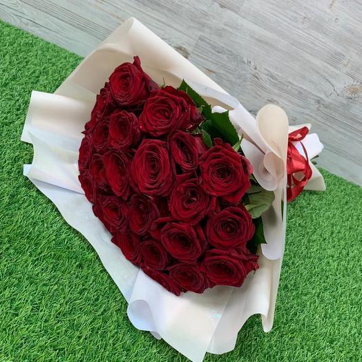 Букет из 25 красных роз (50 см )