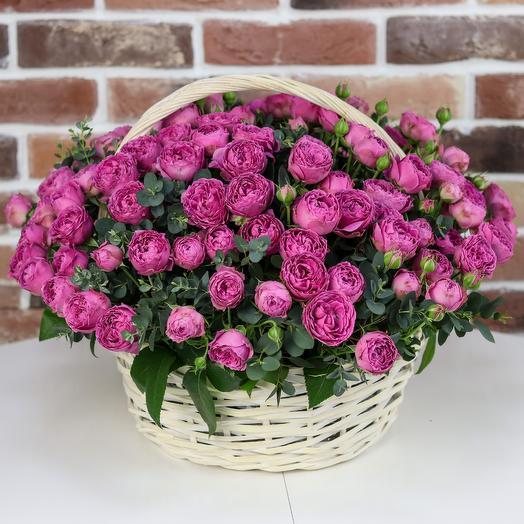 Корзины с цветами. Пионовидные кустовые розы. N221