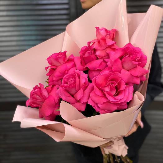 7 роз в оформление