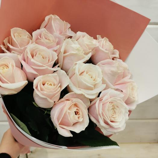 Букет роз нежно-розовых
