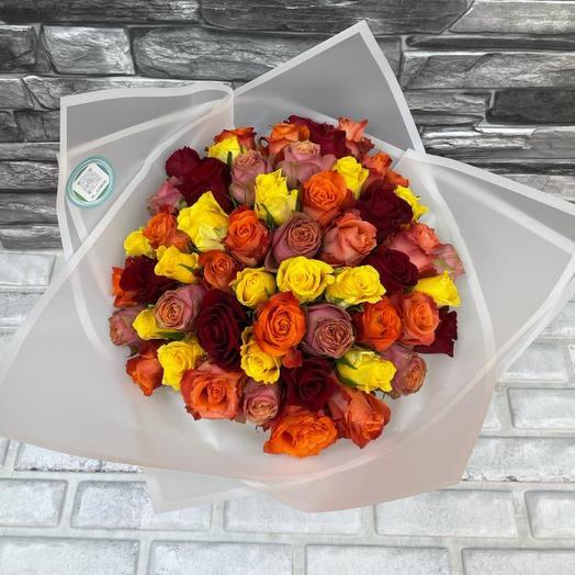 Монобукет из 55 роз цвет ассорти