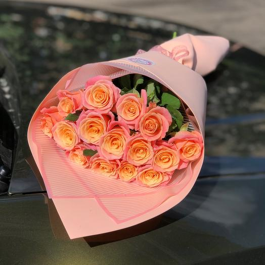 Букет 15 коралловых роз «Мисс Пигги»