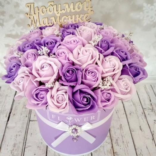 Мыльные розы в сиреневой коробке маме