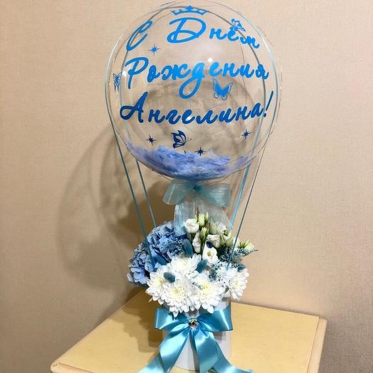Букет цветов в коробке с шаром баблс