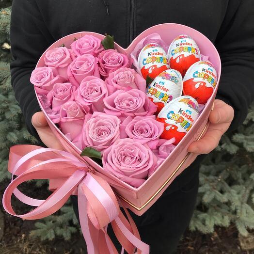 Цветы в коробке сердечко