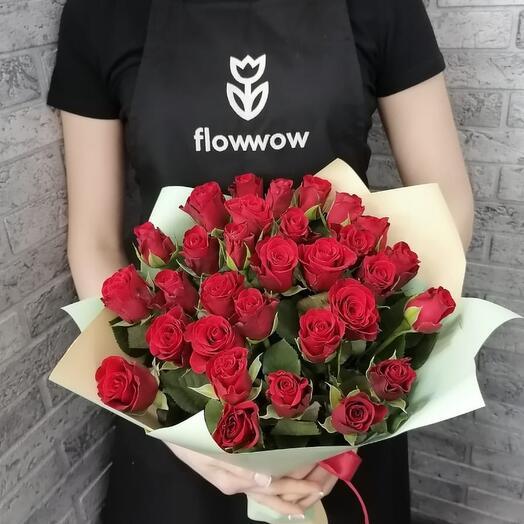 ✅ 25 красных роз