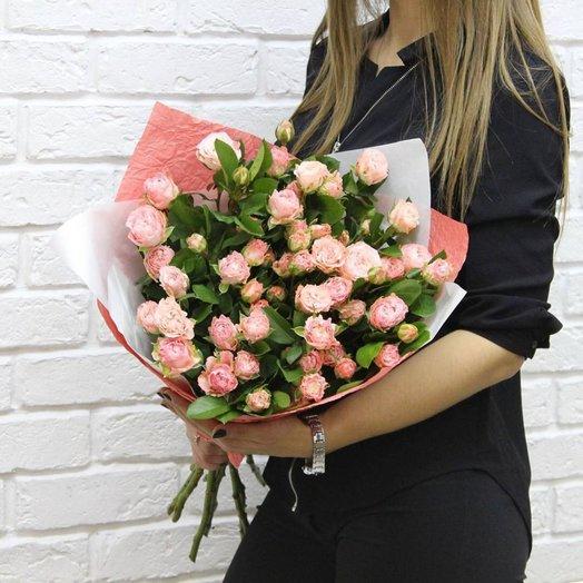 Букет Нежные чувства из кустовых пионовидных роз