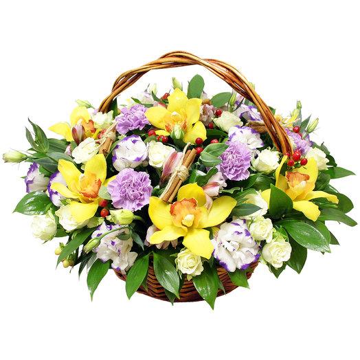 Корзина Манящий взгляд: букеты цветов на заказ Flowwow