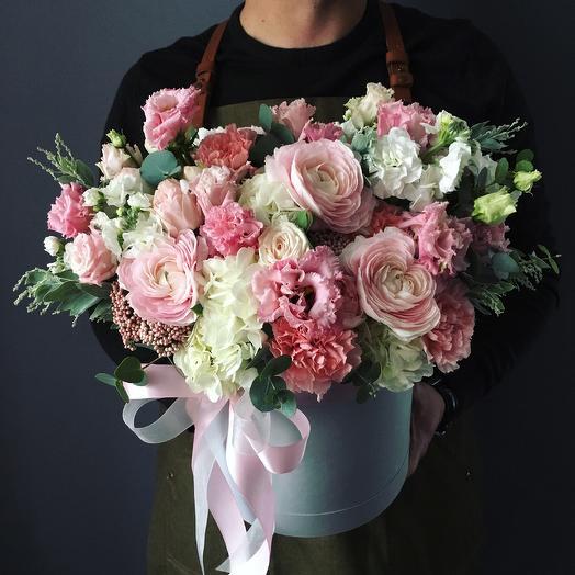 Нежный с ранункюлюсами: букеты цветов на заказ Flowwow