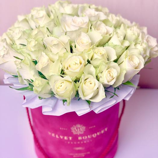 Белые розы в бархатной коробочке: букеты цветов на заказ Flowwow