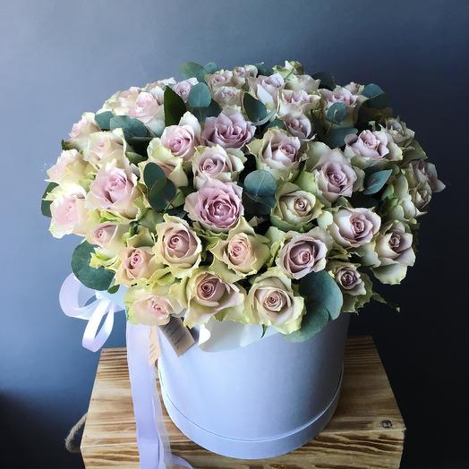 Лавандовые розы с эвкалиптом: букеты цветов на заказ Flowwow