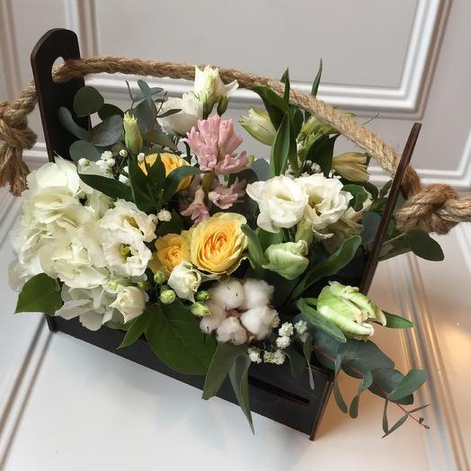 Ящик с цветами «@весна»