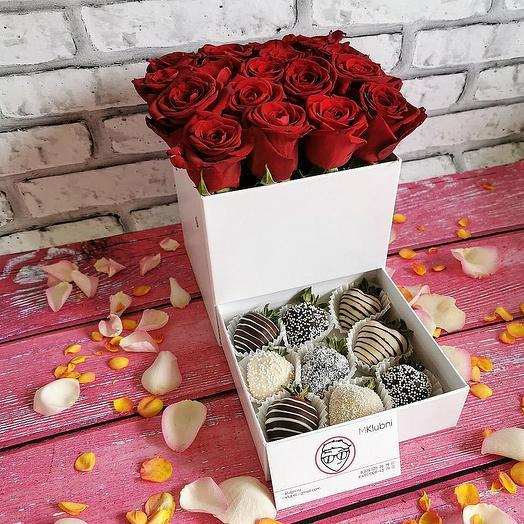 Шкатулка с розами и клубникой в шоколаде: букеты цветов на заказ Flowwow