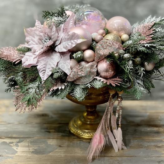 Шикарная новогодняя композиция в винтажном кашпо: букеты цветов на заказ Flowwow