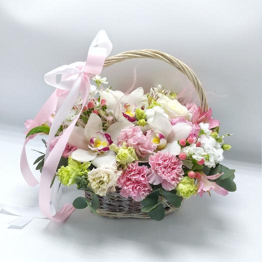 Корзина с орхидеями и хлопком: букеты цветов на заказ Flowwow