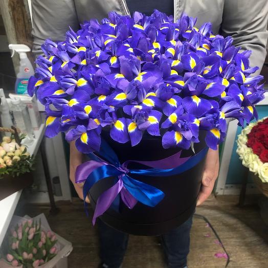 101 ирис в коробке: букеты цветов на заказ Flowwow