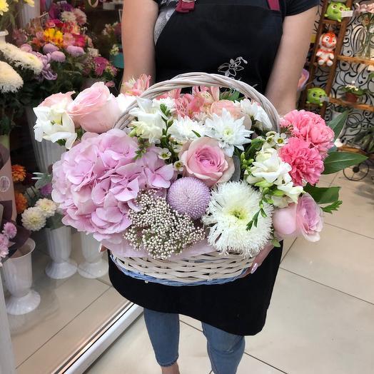 Нежная корзина цветов 💗