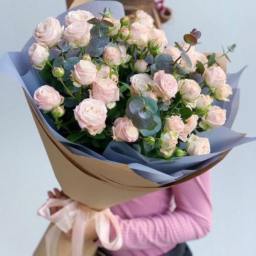 Букет из пионовидная розы