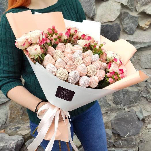 Розовое облако с розами
