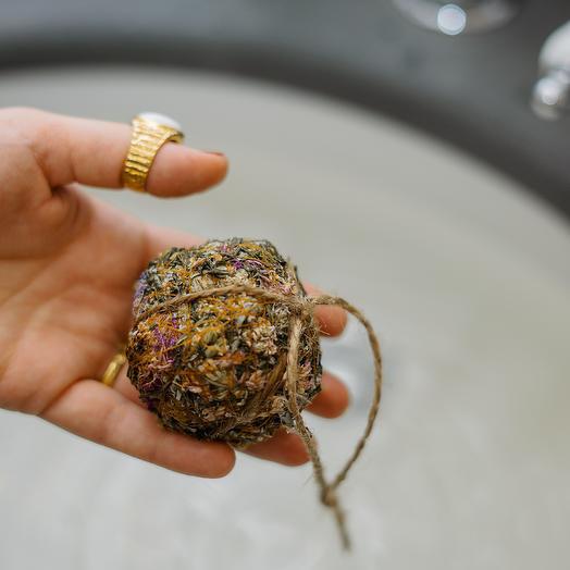 Цветочный шар для ванны