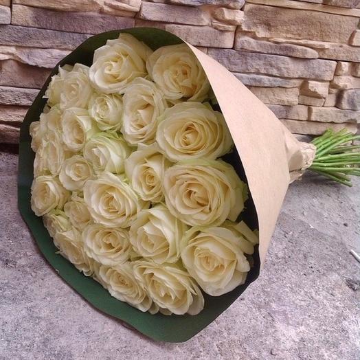 Букет 25 белых роз 70 см